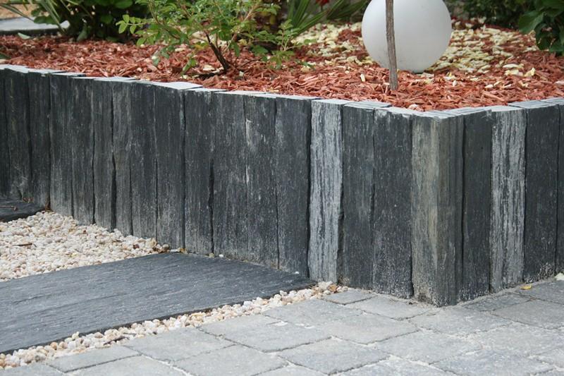 Mur et muret de jardin design conception de jardin vannes - Pierres pour muret de jardin ...