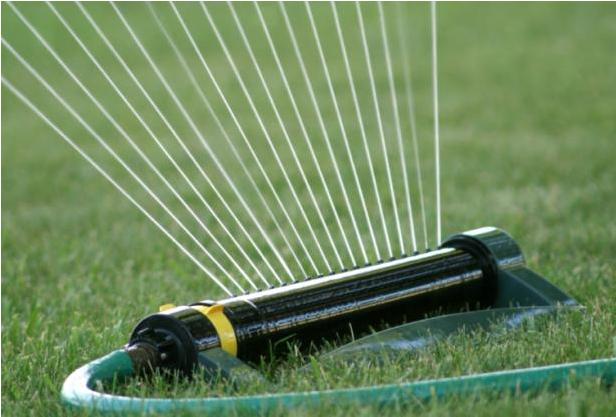 Comment entretenir sa pelouse nos conseils pour un for Irrigatori fuori terra
